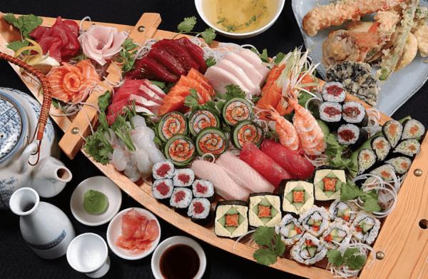 sushi boat at kimonos