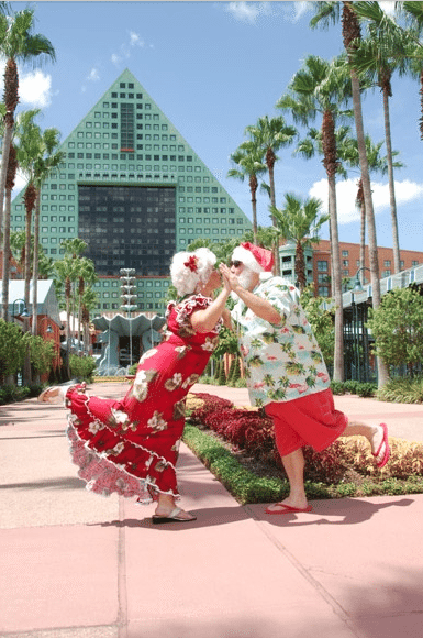 Santa and Mrs. Claus at the Swan and Dolphin