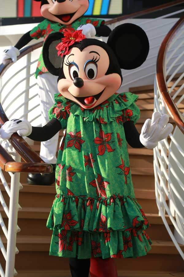 minnie-cruise-christmas-dress