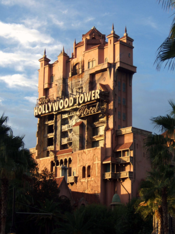 018 - hollywood tower hotel