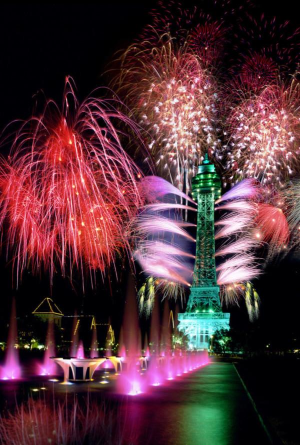 c. Cincinnati USA. BONUS: Click for local fireworks displays!