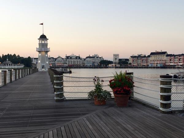 beach-club-lighthouse