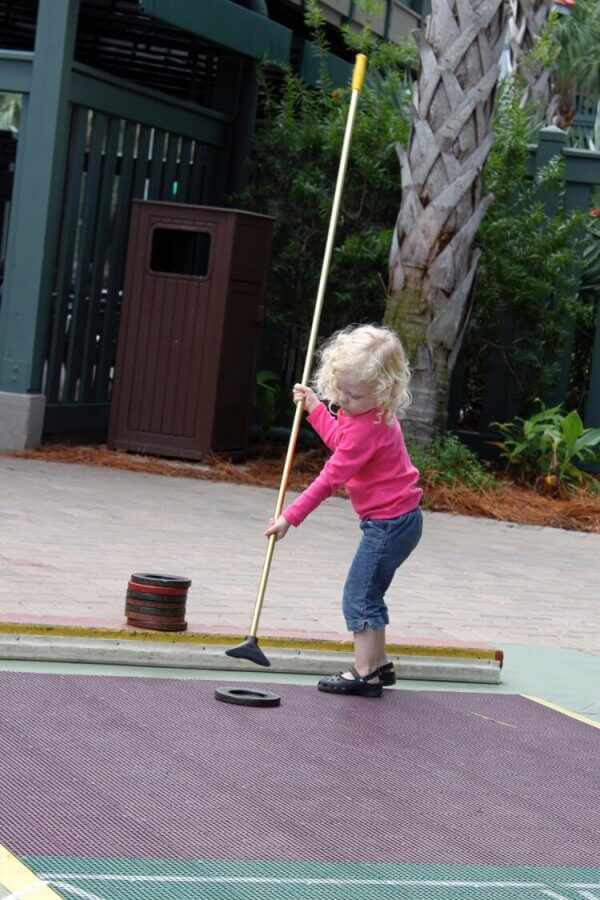children can play shuffleboard and other outdoor games at Disney's hilton head resort