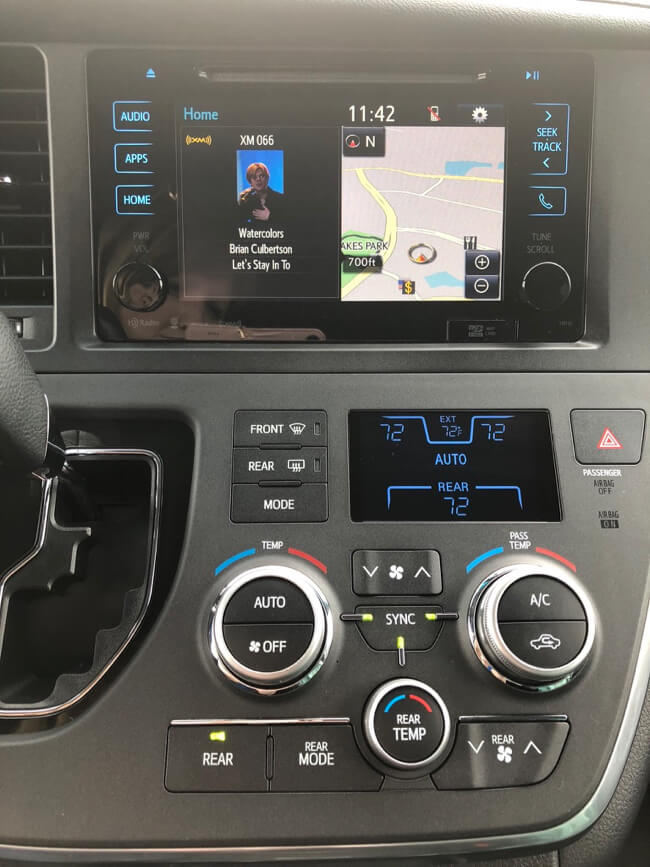 Display and gauges on the Toyota Sienna