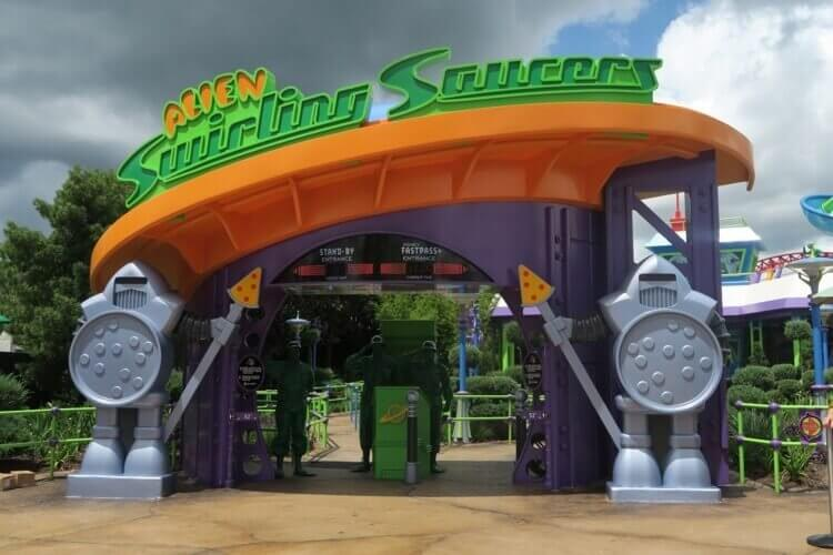 Alien Swirling Saucers entrance Toy Story Land Walt disney world Hollywood studios pizza planet guards